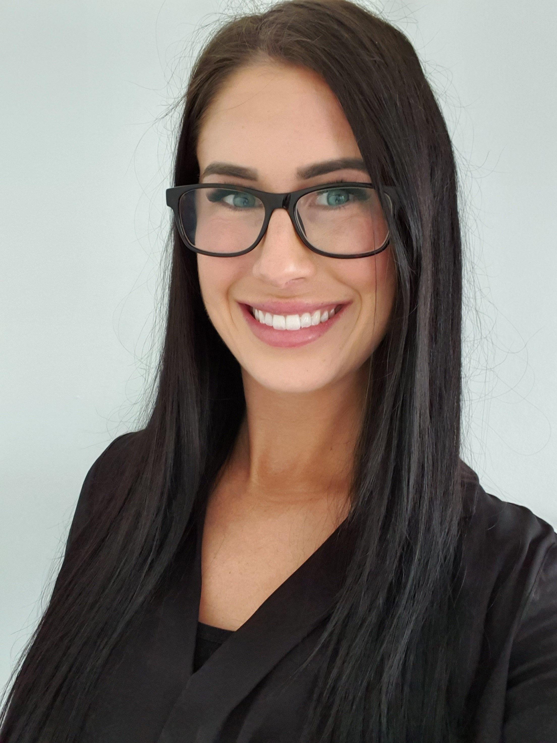 Hayley Bosman headshot